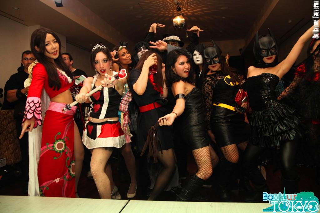 Bonjour Tokyo, soirée d'Halloween, les filles se déguisent