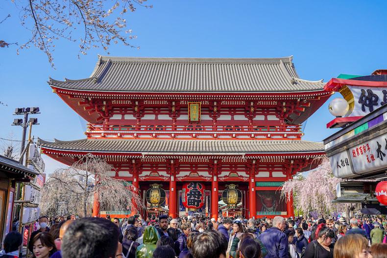 La porte Hozomon, à Senso-ji, Tokyo