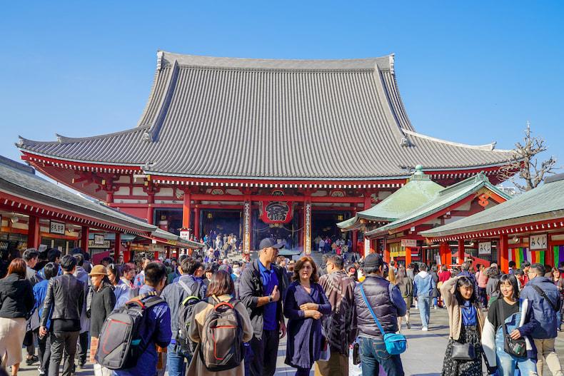 Hall principal du temple Senso-ji.