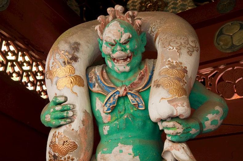 Statue de Fujin dans le temple Taiyu-in Reibyo, à Nikko.
