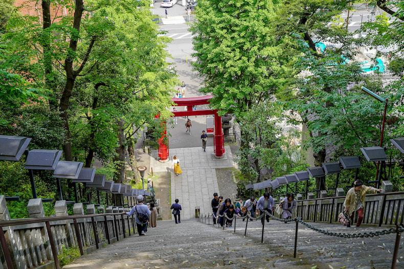 Les escaliers du sanctuaire Atago Jinja.